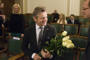 Saeima grants Latvian citizenship to world famous artist Mikhail Baryshnikov.